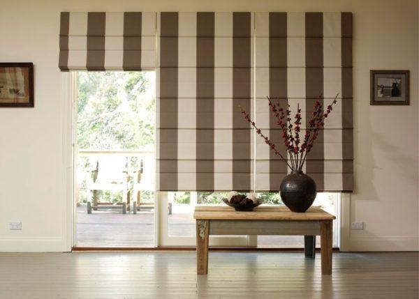 Римские шторы идеально подходят и для современных, и для классических интерьеров, главное найти нужную расцветку