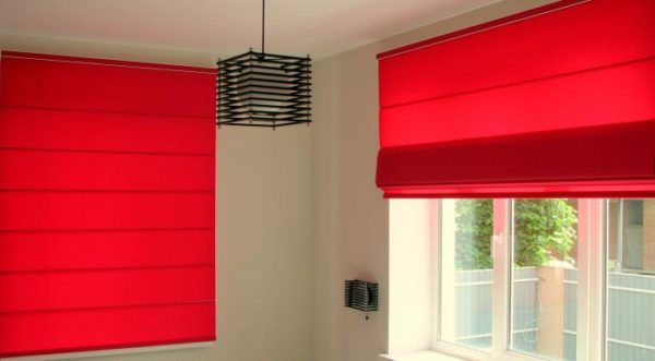Римские шторы отлично подходят для пластиковых окон