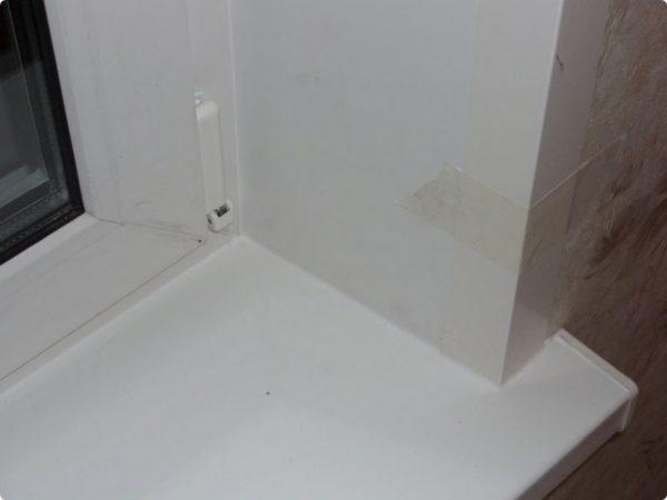 Шов, созданный жидким пластиком, имеет точно такие же технические характеристики, как и сам оконный блок