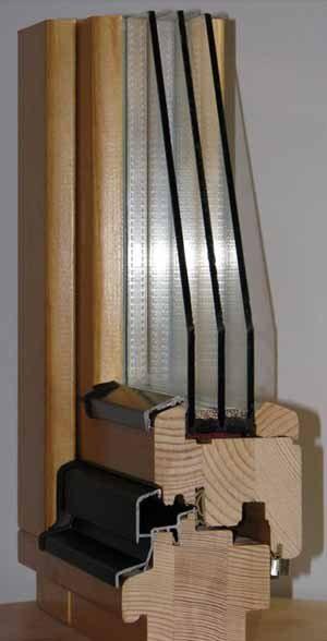 Слишком большая сложность конструкции уже сама по себе может быть источником повышенной влажности, сложность сложности рознь, но вентиляционный клапан желательно иметь на трёхкамерном окне