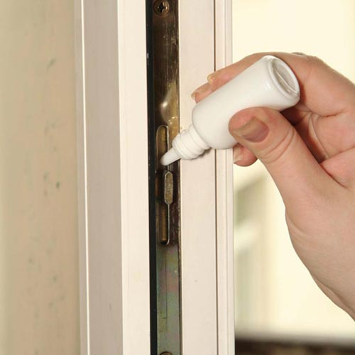 Смазка механизмов окна минимум 1 раз в год