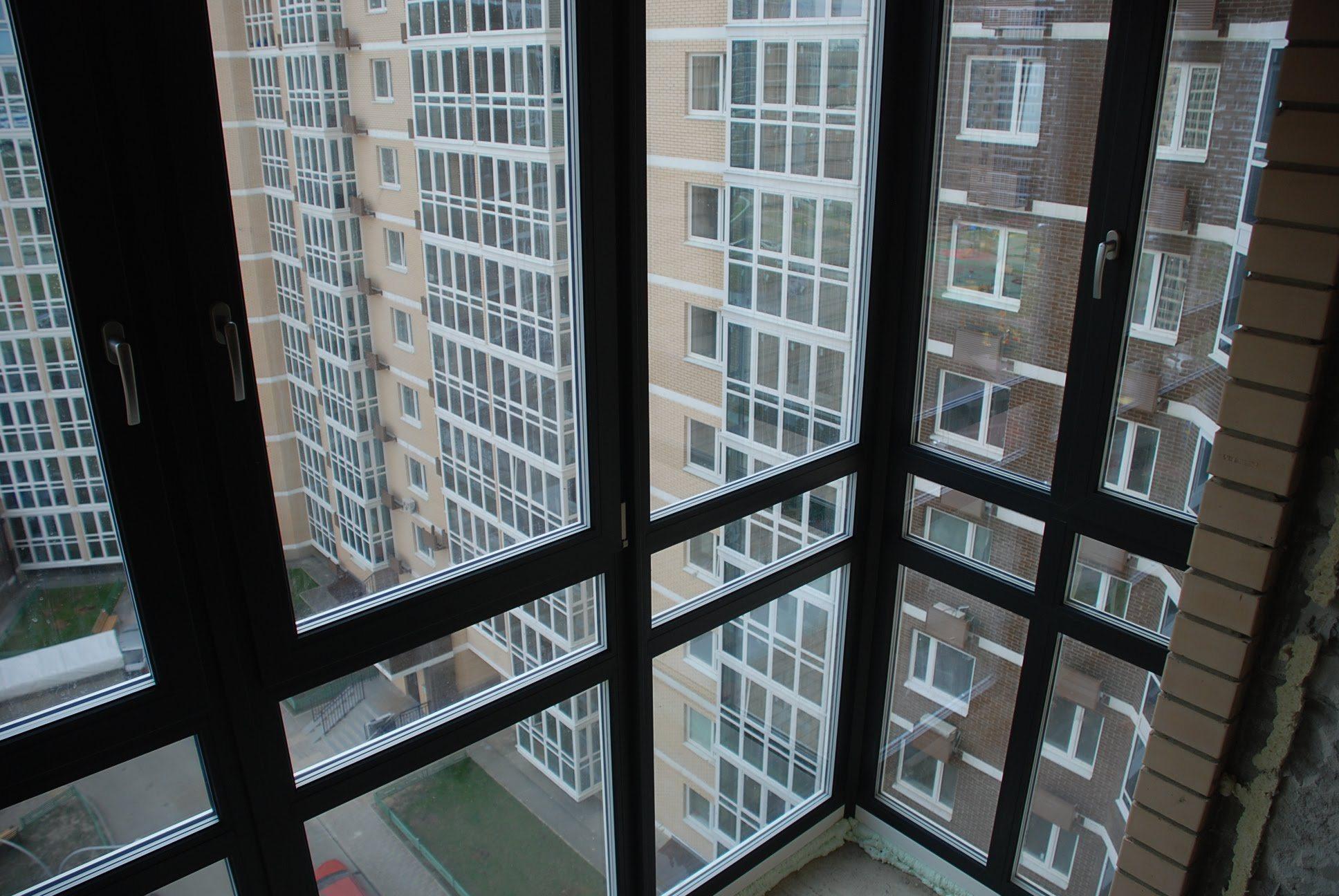 Французский балкон в частном доме: что это такое.