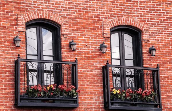 Так выглядит классическая разновидность французского балкона