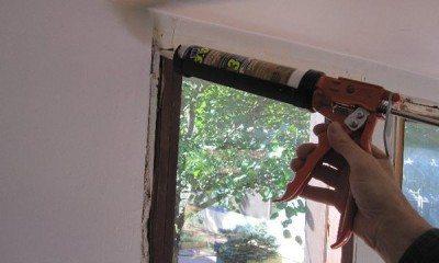 Утепление окна монтажной пеной