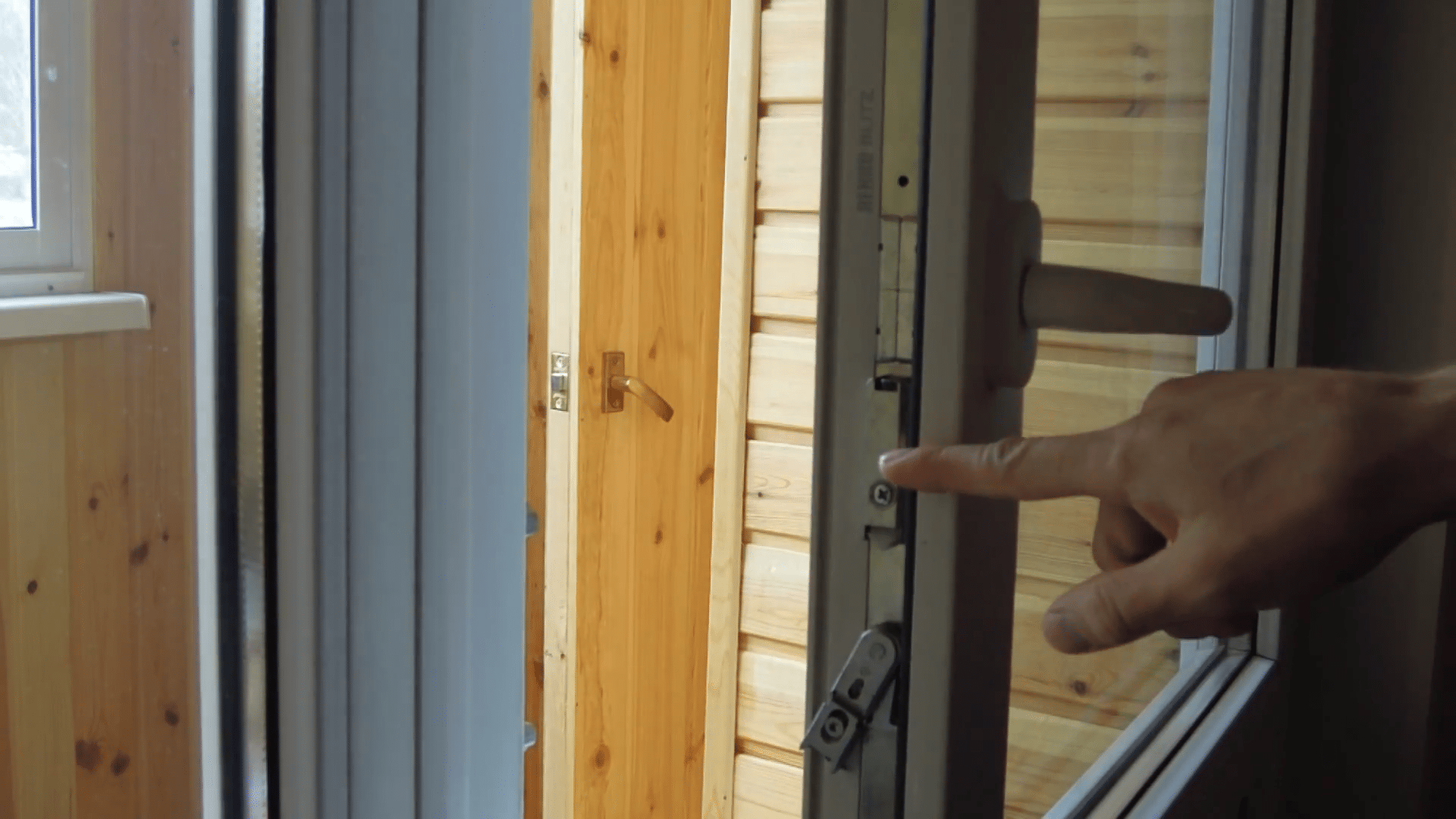 Регулировка пластиковых окон и дверей самостоятельно: настро.