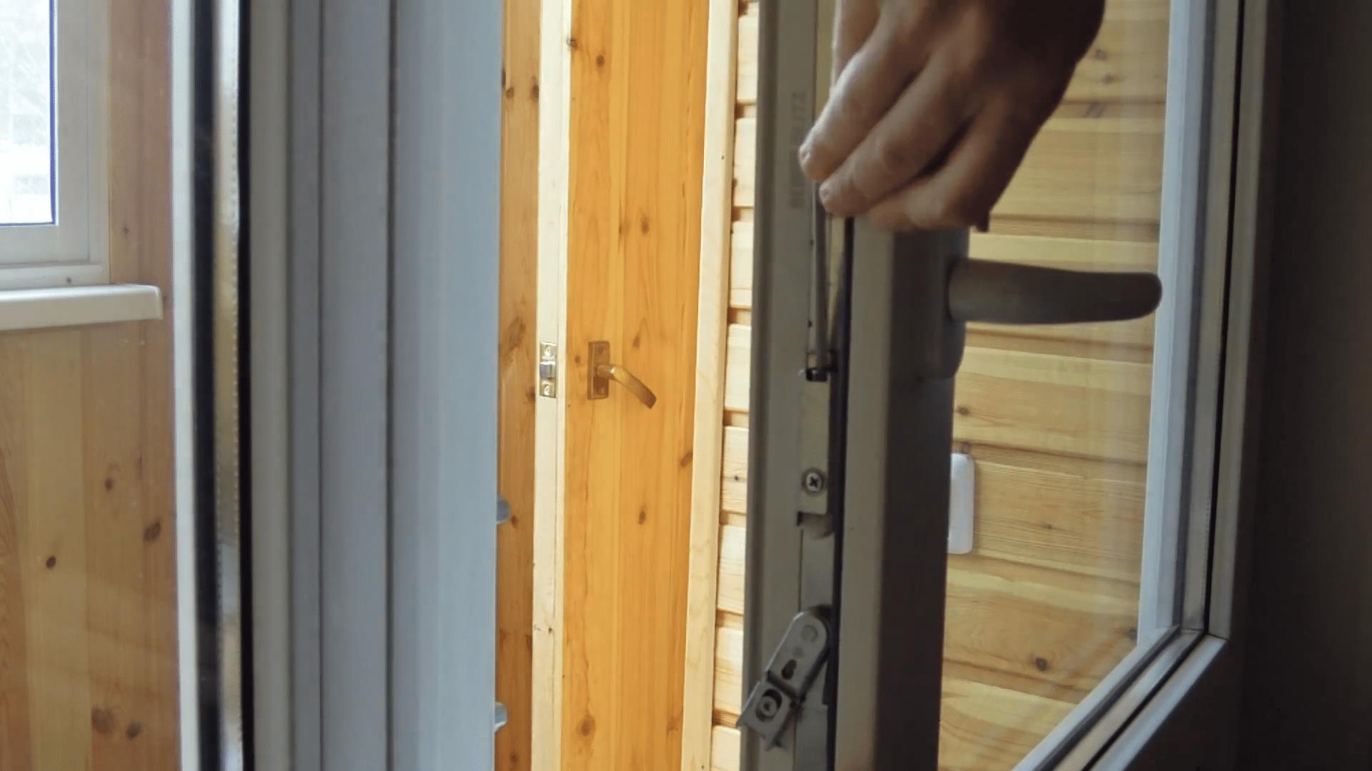 Защелка на балконную пластиковую дверь 179