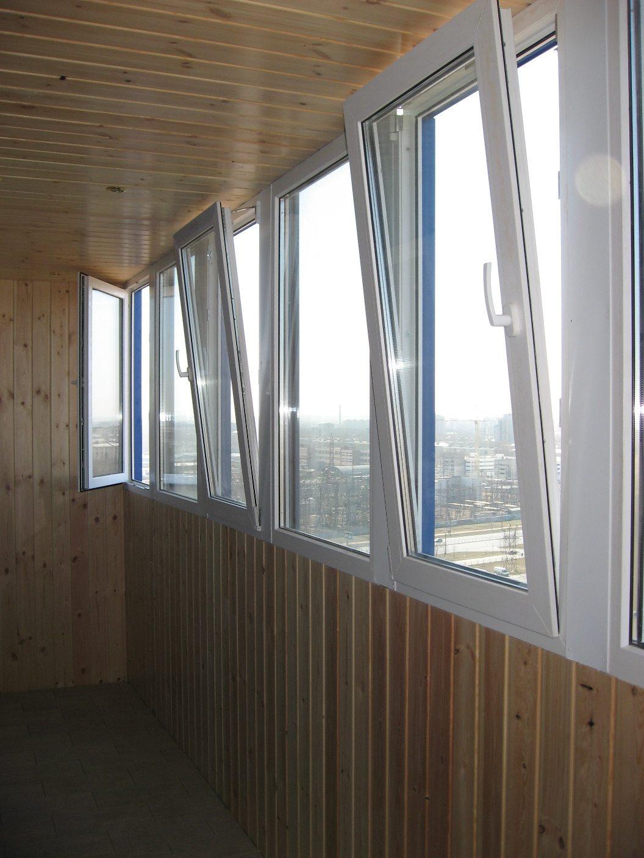 На балконе потеют окна: почему и что делать.