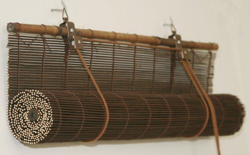 Бамбук скручивается в рулон